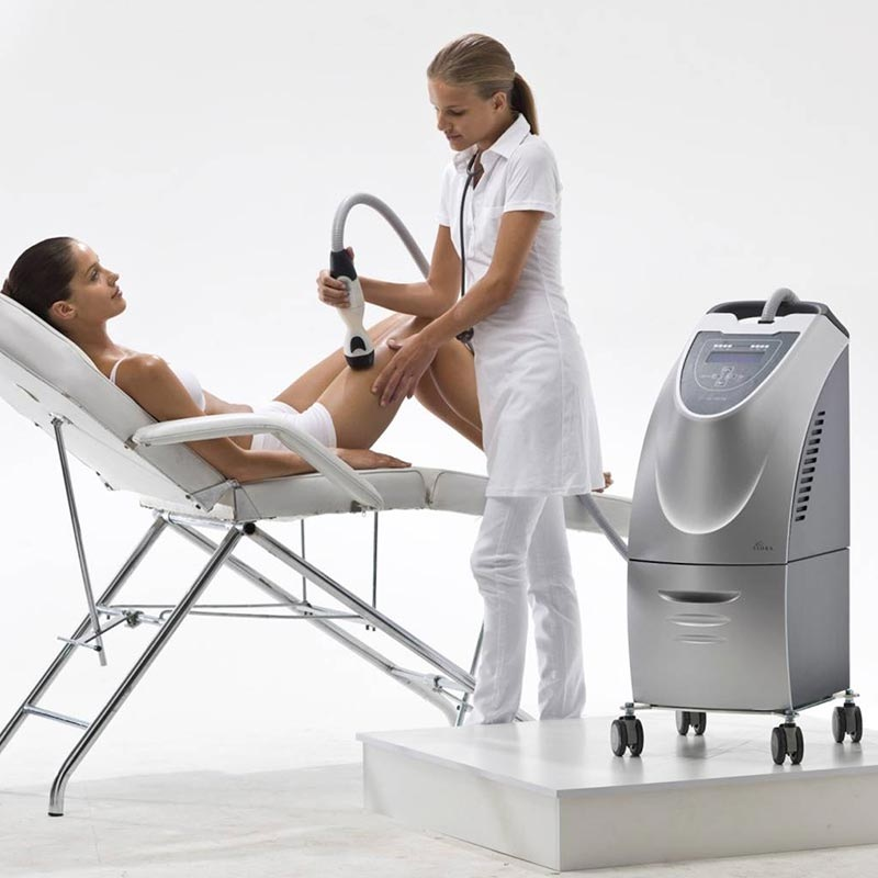 Woman receiving Foviora radio frequency treatment targeting cellulite, skin laxity, skin tightening
